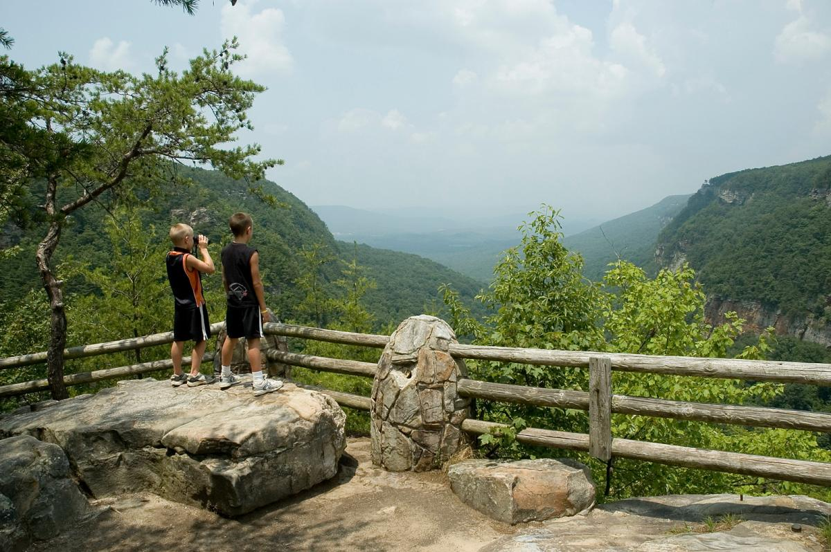 kids at Cloudland Canyon State Park